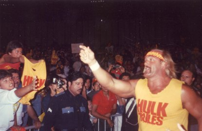 Hulk_Hogan_Pointing.jpg