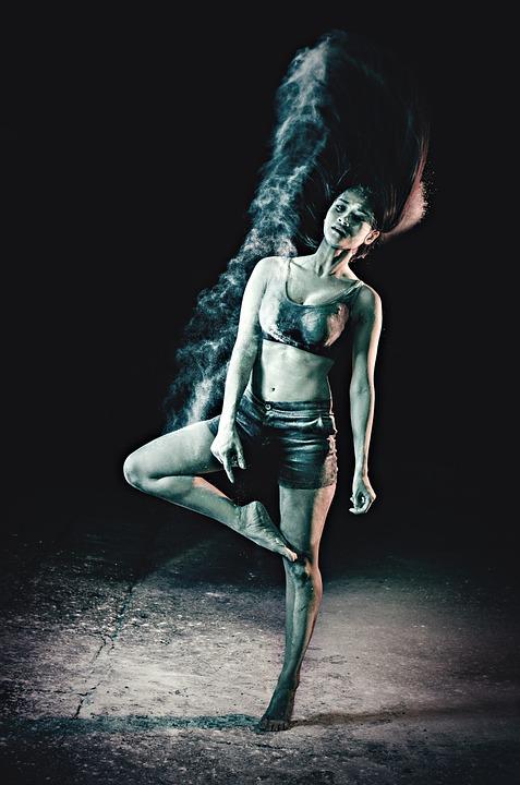 dance-422699_960_720